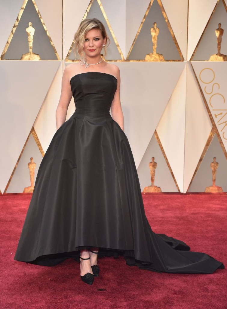 HOLLYWOOD, CA - FEBRUARY 26:  Actor Kirsten Dunst attends the 89th Annual Academy Awards at Hollywood & Highland Center on February 26, 2017 in Hollywood, California.  (Photo by Kevin Mazur/Getty Images)