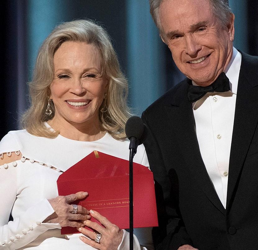 THE OSCARS(r) - The 89th Oscars(r)  broadcasts live on Oscar(r) SUNDAY, FEBRUARY 26, 2017, on the ABC Television Network. (ABC/Eddy Chen) FAYE DUNAWAY, WARREN BEATTY
