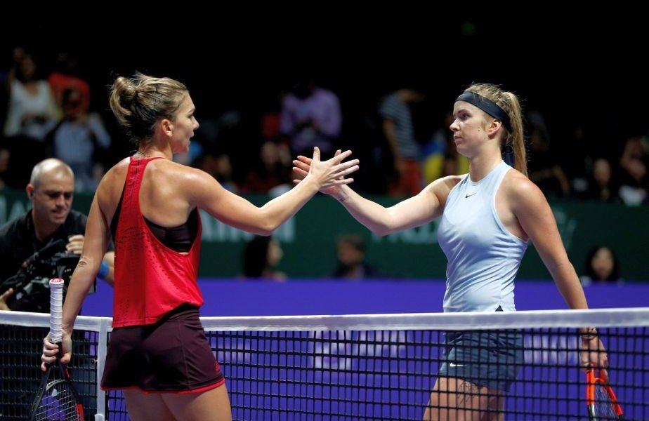 Tennis - WTA Tour Finals - Singapore Indoor Stadium, Singapore - October 27, 2017   Romania's Simona Halep and Ukraine's Elina Svitolina shake hands after their group stage match   REUTERS/Edgar Su
