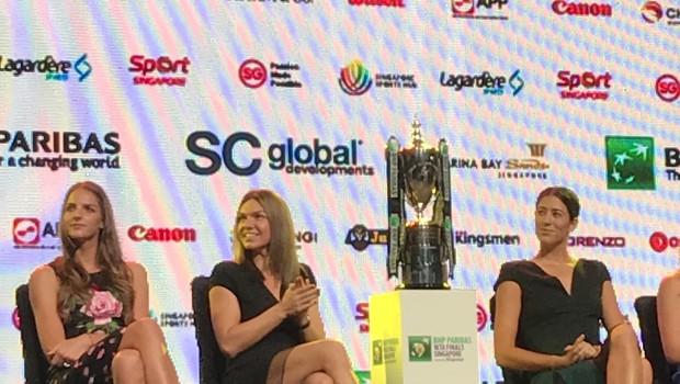 VIDEO EXCLUSIV Apariția spectaculoasă a Simonei Halep pe catwalk la Gala de la Singapore